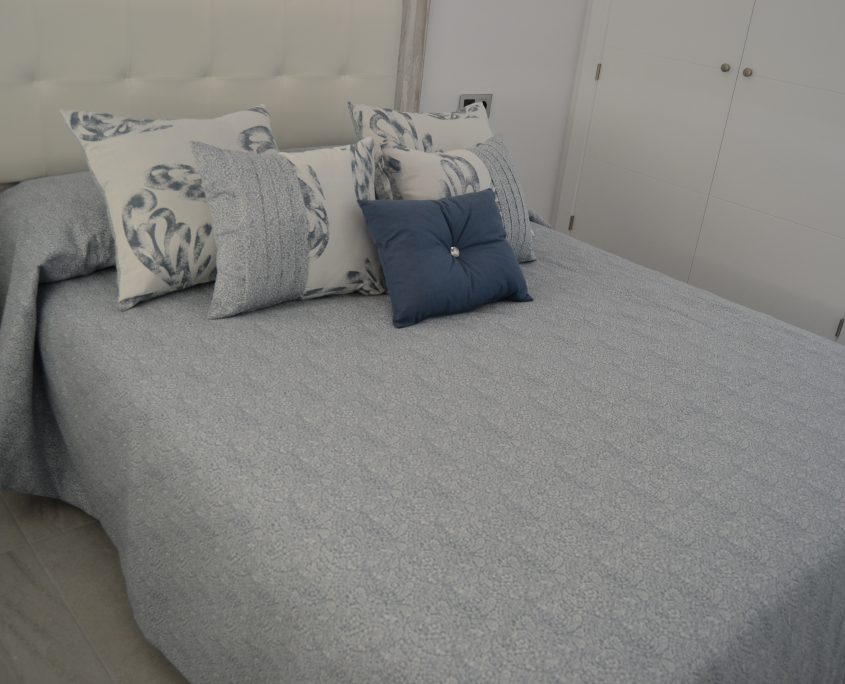 bed throw with matching cushions Murcia